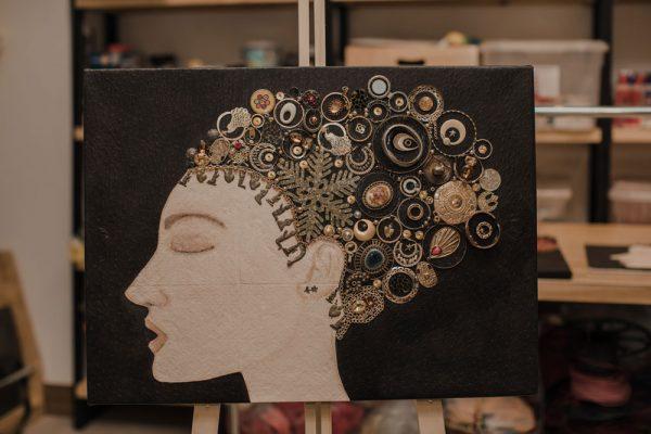 arte con material reciclado inspira rostro 4