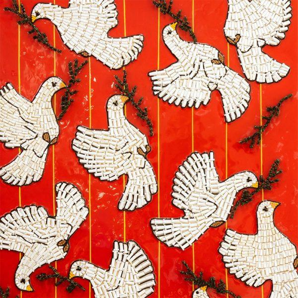 Arte con material reciclado palomas desorientadas